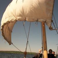 Особенности управления судном с прямым парусом и рулевым веслом